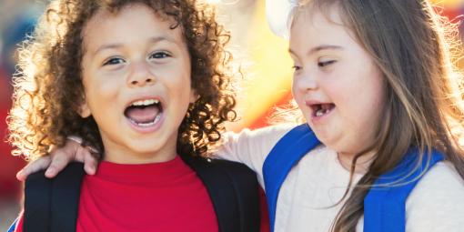 Comment parler de trisomie avec des enfants